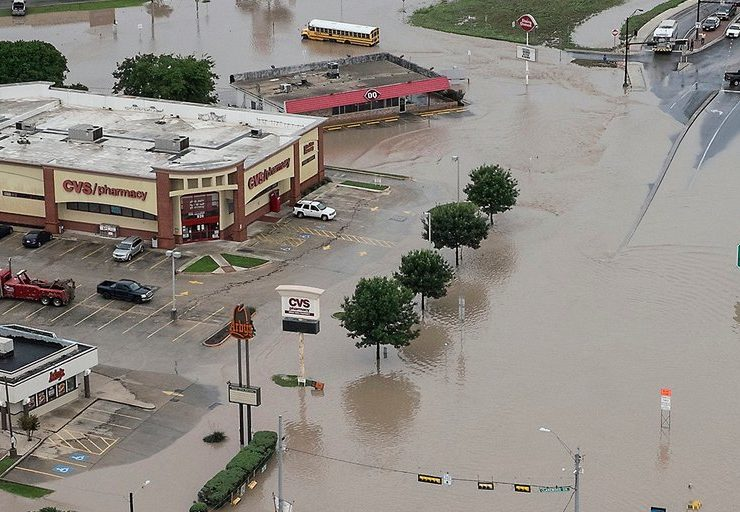 Flooding Sweeps in Texas, Oklahoma-compressed